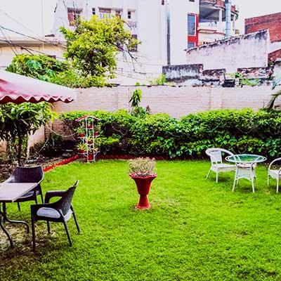 Varanasi Hostel Garden
