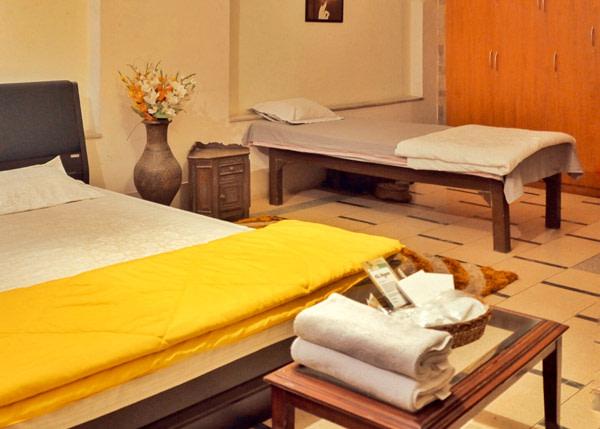 International Travellers' Hostel Varanasi Triple Room