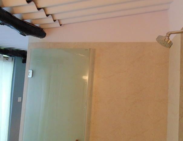 Superior Double Room – Bathroom