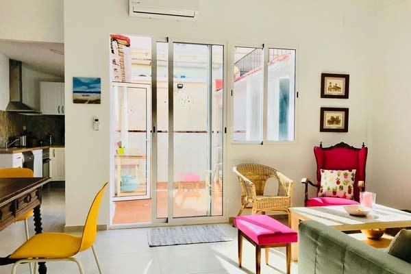 ITH Las Arenas Beach Valencia Wohnzimmer-and-Küche