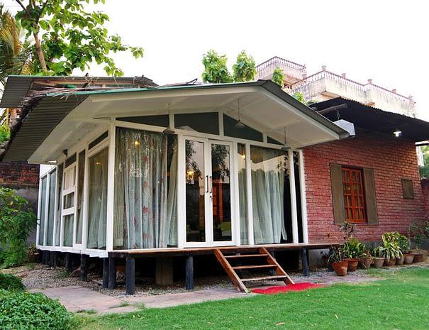 Cottage-Outside